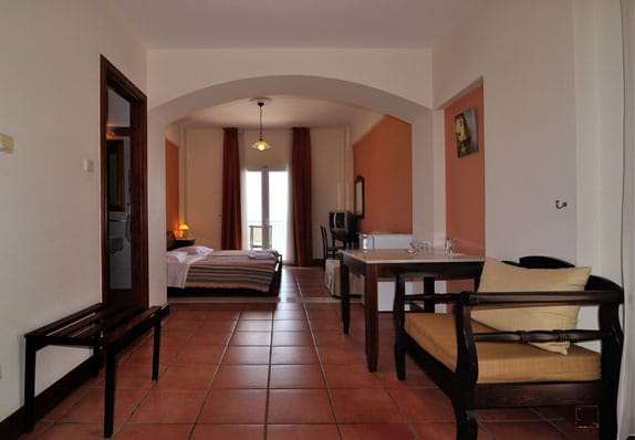 golden-view-hotel-family-suite